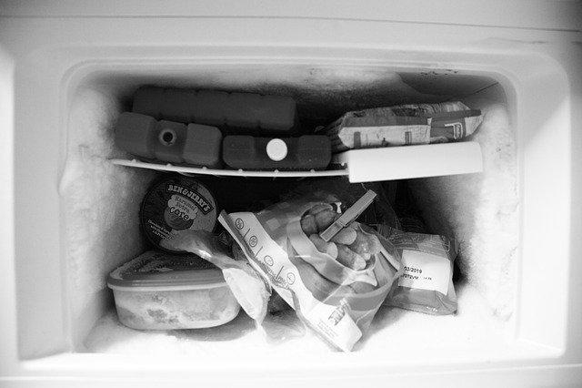 Is it safe to serve freezer burned food?